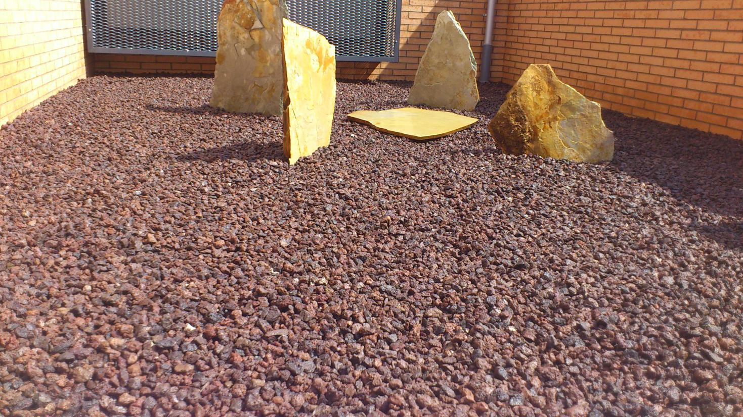 Avidalreparaciones for Piedra volcanica para jardin